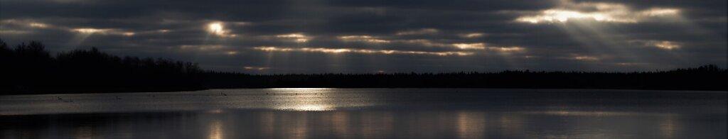 Valgus järvel